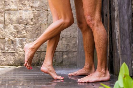 Recomiendan tener relaciones sexuales en espacios abiertos para evitar contagio de Covid-19
