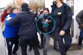 Increparon a Emilio Maldonado tras declarar y tuvo que ser escoltado por la policía