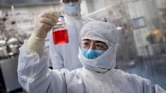China confía en que su vacuna estará lista en noviembre
