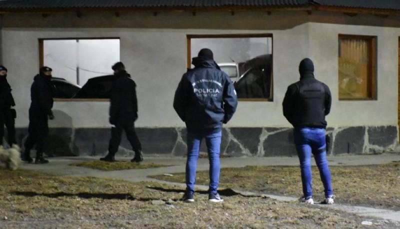 El personal de Trata de Río Gallegos realizó los allanamientos.