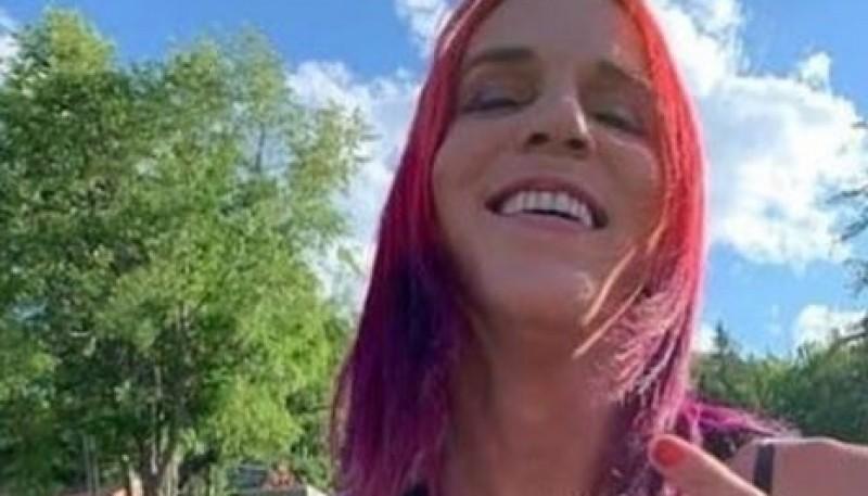 """""""Soy transexual, satanista y anarquista"""": la definición de una candidata a jefa policial"""