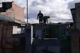 Voladuras de techos por los vientos intensos en Río Gallegos