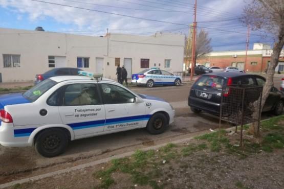 Vivienda allanada por el personal policial de Pico Truncado.