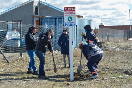 Barrio Patagonia: Instalan cartelería solicitada por vecinos
