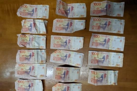 Dos detenidos en allanamiento por robo de 100 mil pesos en un multirubro