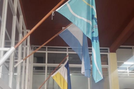 Incorporan la bandera de pueblos originarios en organismos municipales