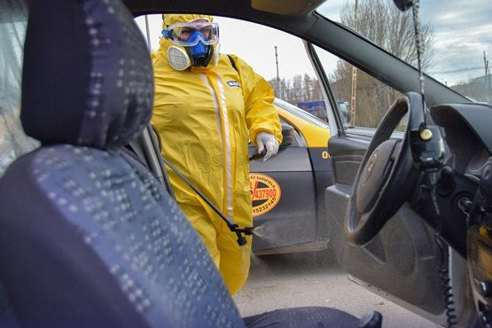 Operativo de desinfección en dos paradas de taxis por casos positivos de COVID