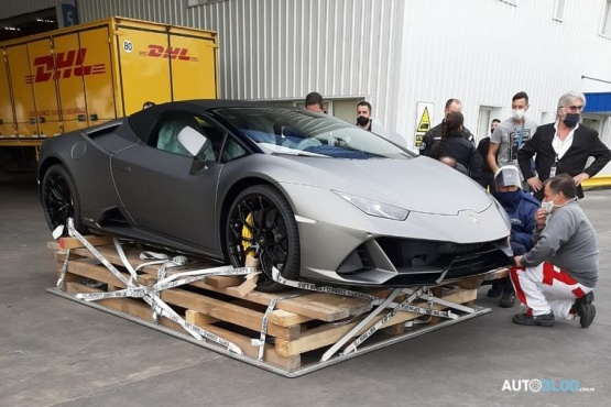 De quién es la Lamborghini que revolucionó Ezeiza