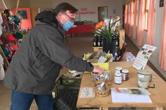 El Mercado Rural del SUM de Golondrinas superó los 100 productores