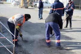 Saneamiento Ambiental: Intenso operativo de limpieza sobre calle Alberdi
