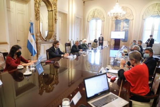 El Presidente encabeza reunión con el grupo de expertos que asesora al Gobierno