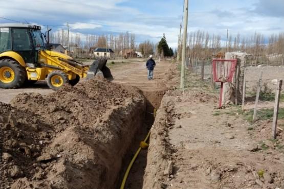 Distrigas avanza obra de extensión de red de gas en Lago Posadas