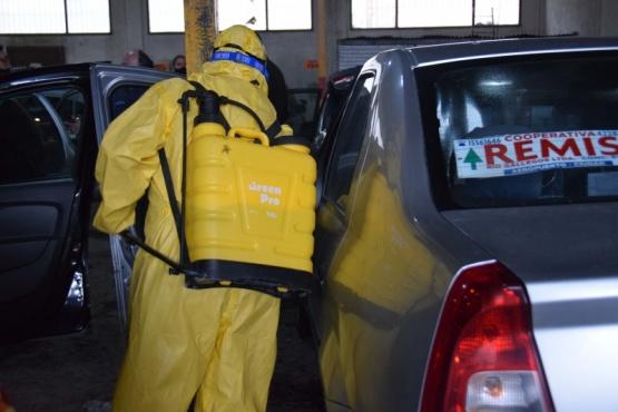 Municipio efectuó desinfección de unidades afectadas al servicio de taxis y remises