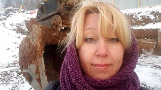 Una periodista rusa murió tras prenderse fuego a lo bonzo
