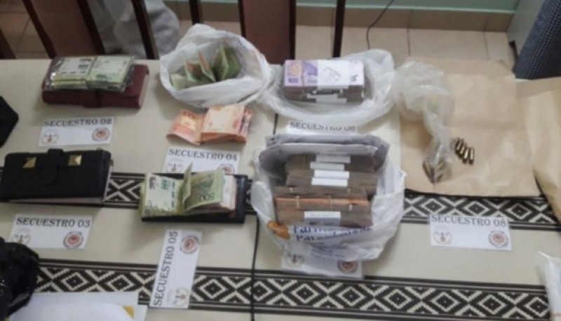 Secuestraron drogas y armas tras allanamientos
