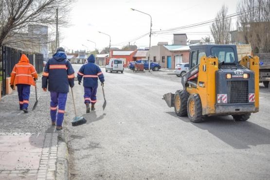 Municipio interviene en un movimiento de suelo que se produjo en la Plaza Belgrano