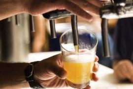 Clausuraron una cervecería  por fiesta clandestina