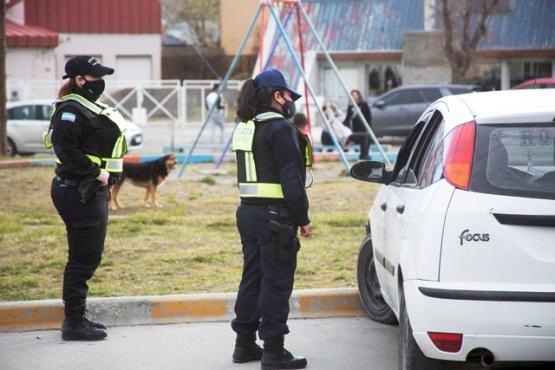 Policía violó el aislamiento