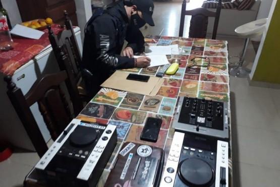 Investigan si DJs vendieron droga en la marcha del 12-O