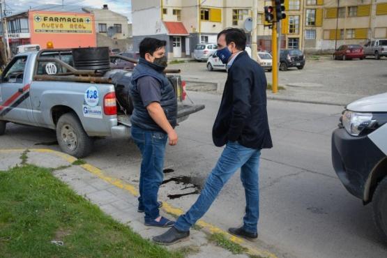 Intendente Pablo Grasso recorrió obras de bacheo sobre la avenida Juan Domingo Perón