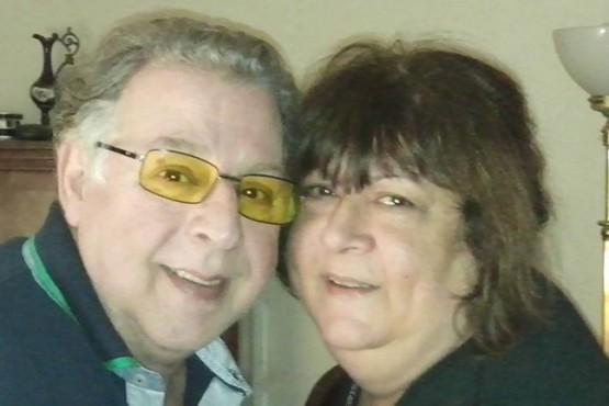 Cumplieron 50 años de casados y fallecieron en la misma cama del hospital