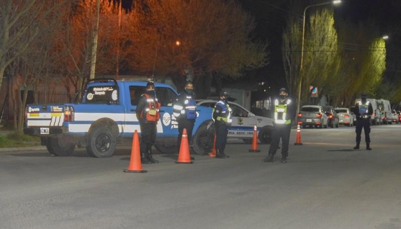 En una noche, se hicieron más de 50 actas de infracción por circular fuera del horario permitido