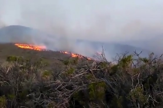 Incendio de campos a kilómetros de Comodoro Rivadavia