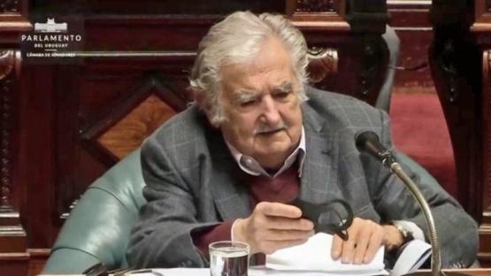 Mujica renunció al Senado de Uruguay y se retira de la política
