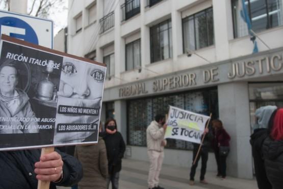 La manifestación inició en el Tribunal Superior de Justicia. (Foto: L.F.)