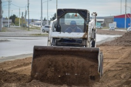 Municipio avanza con la reconstrucción de veredas y con tareas de bacheo