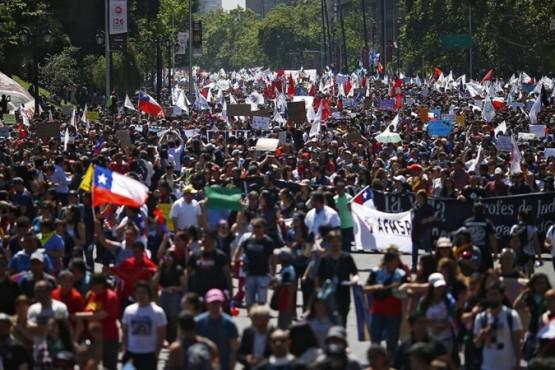 Los ciudadanos que participen porque el voto no es obligatorio en #Chile tendrán que pronunciarse a través de las opciones