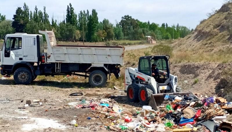 Por intermedio de imágenes y videos hicieron saber que habían sido arrojados, lo que generó consecuentemente un problema ambiental en la zona de la bajada de Perdomo