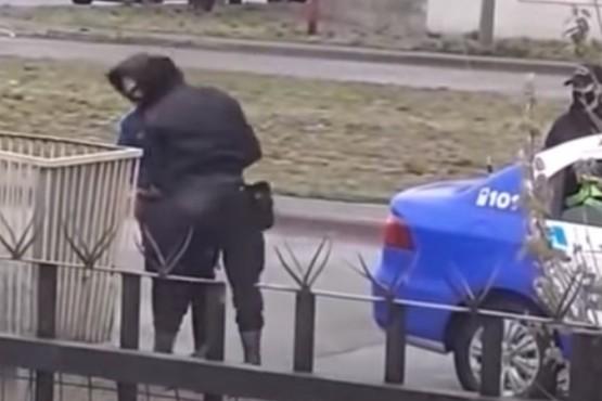 Sumariaron al policía que le pego un cabezazo a un joven