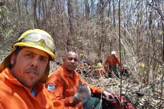Brigadistas continúan trabajando en Jujuy
