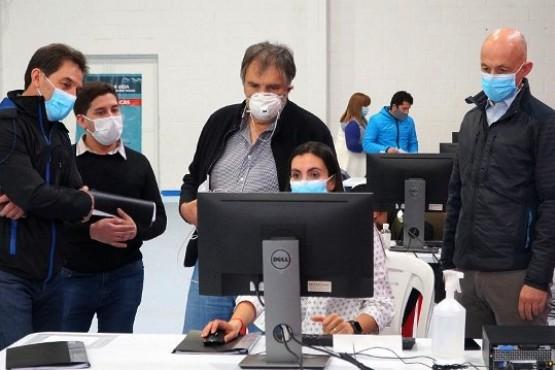 En Caleta hubo jornada de mucho trabajo e invitaron al doctor Acuña Kunz.