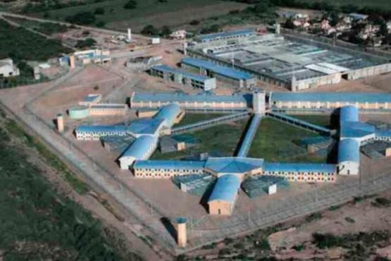 Triple fuga de presos con covid-19: apagaron la alarma y la alerta se hizo tarde