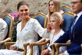 La princesa Victoria marca tendencia en la moda europea junto a su hija