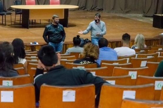 Gazzera y Williams escucharon inquietudes de propietarios de gimnasios