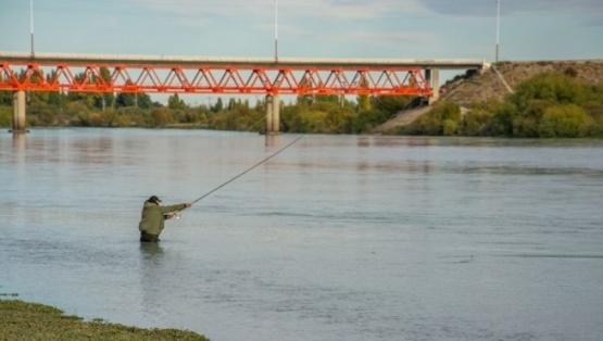 Buscan habilitar la pesca deportiva en Santa Cruz