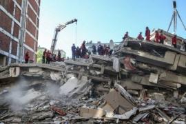 Rescatan con vida a una nena de 3 años que pasó 65 horas bajo los escombros tras terremoto
