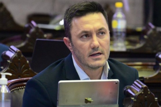 """Un diputado opositor criticó la compra de la Sputnik V: """"Es una ruleta rusa"""""""
