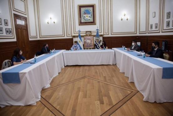 """Salida del COE de la oposición: Ideas """"no tenidas en cuenta"""" y un """"espacio desdibujado"""""""