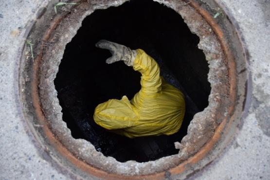 Continúa el plan de saneamiento ambiental y limpieza de la red pública