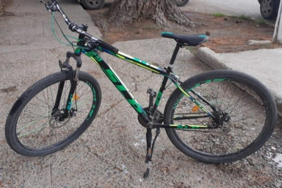 Sin saberlo estaba paseando en una bicicleta robada