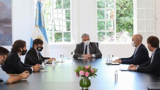 Fernández analizó con Kicillof y Larreta pasar de aislamiento a distanciamiento en el AMBA