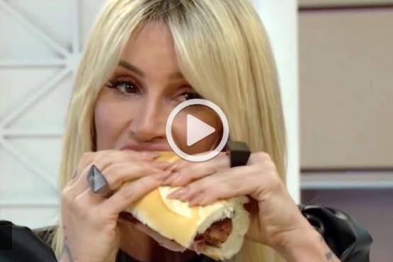 Florencia Peña se atragantó en vivo con un sandwich de milanesa