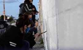 Municipio continúa pintando murales de concientización