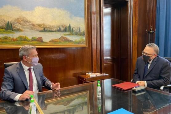 Arcioni firmó con Kulfas un acuerdo de financiamiento para Pymes chubutenses