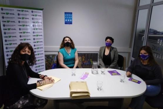 """Donación de folletos para el programa """"Eva Duarte"""" que busca prevenir la violencia de género"""
