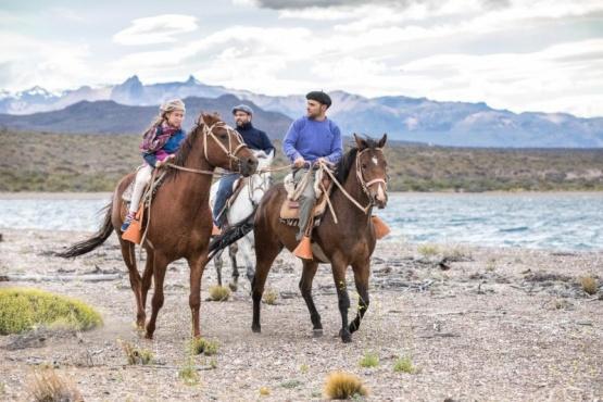 Cabalgatas guiadas, una experiencia  única del turismo en la Patagonia
